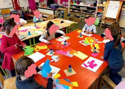 Création papiers découpés après avoir étudié le peintre Matisse
